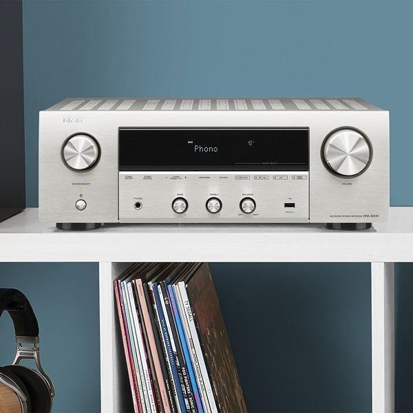 A DRA-800H ötvözi a Denon HiFi örökségét egy fejlett HDMI video szekcióval, vezeték nélküli zenei streaminggel és a hagyományos audio képességekkel